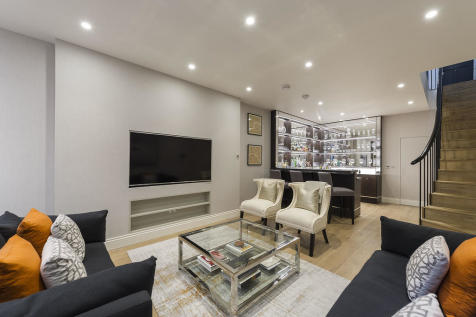 Cheval Place, Knightsbridge. 3 bedroom terraced house