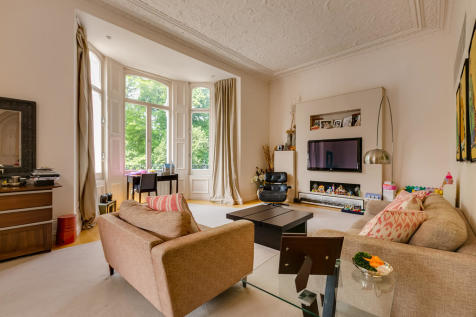 Redcliffe Square, Chelsea SW10. 2 bedroom apartment