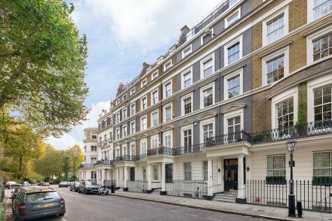 Rutland Gate, Knightsbridge, SW7. 2 bedroom apartment for sale