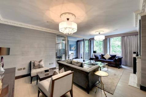 Rutland Gate, Knightsbridge SW7. 3 bedroom apartment