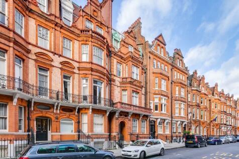 Draycott Place, Chelsea. 2 bedroom flat