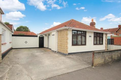 Fernleigh Avenue, Bridgwater. 4 bedroom detached bungalow for sale