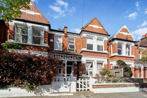 Speldhurst Road, London, W4. 2 bedroom maisonette
