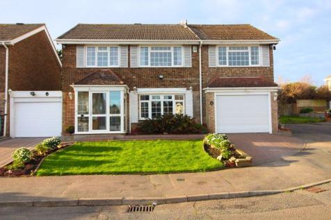 DETACHED FAMILY HOME on Leyhill Drive. 6 bedroom detached house for sale