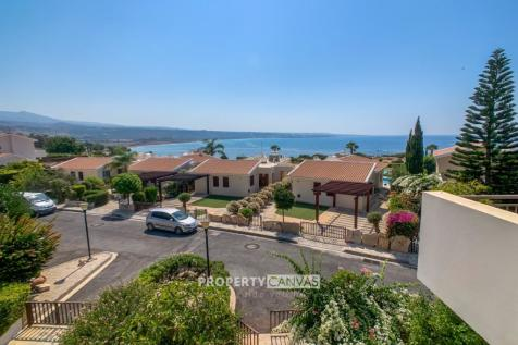 Paphos, Coral Bay. 3 bedroom town house