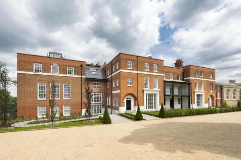 Rosary Manor, NW7. 3 bedroom apartment