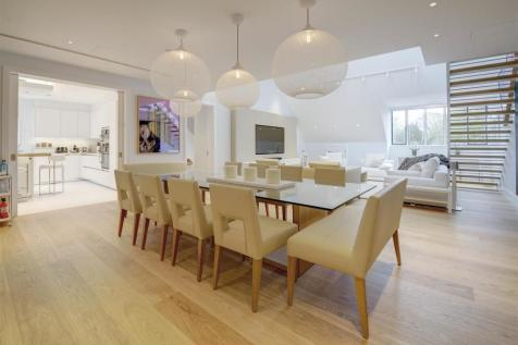 Buxmead, The Bishops Avenue, N2. 3 bedroom apartment for sale