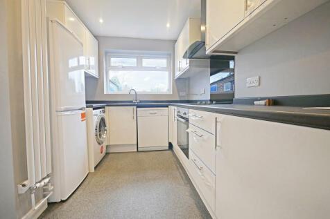 Greenacres Avenue, Ickenham. 3 bedroom detached house