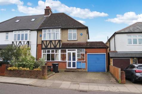 Salisbury Avenue, St. Albans. 4 bedroom semi-detached house for sale
