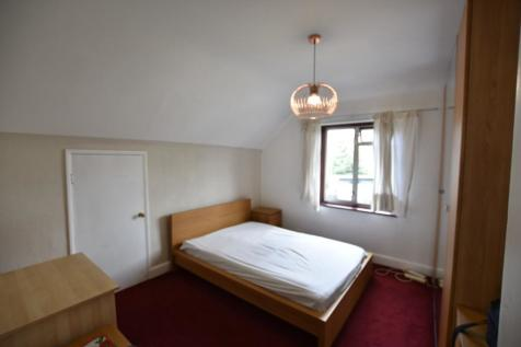 Steventon Road, Shepherds Bush W12. 1 bedroom end of terrace house
