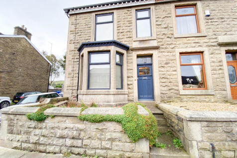 Market Street, Edenfield, Ramsbottom, Bury. 3 bedroom property for sale