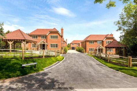 Woods Lane, Cliddesden, Basingstoke, RG25. 4 bedroom detached house