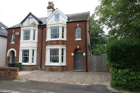 Cromwell Road, Basingstoke, RG21. 5 bedroom semi-detached house