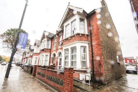 Ealing Road, Wembley, London, HA0. 6 bedroom end of terrace house for sale