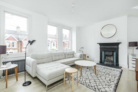 Penwortham Road, London. 4 bedroom maisonette