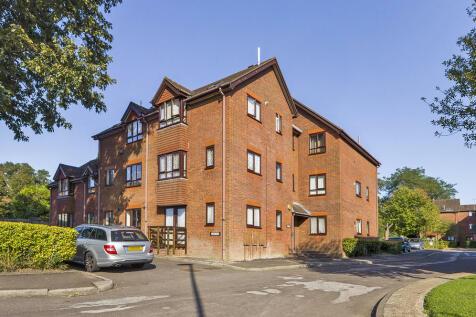 Sussex Lodge, Horsham. Studio flat