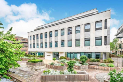 Chart Way, Horsham. 2 bedroom penthouse for sale