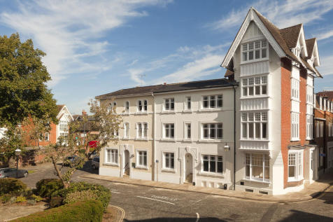 Causeway, Horsham. 3 bedroom apartment