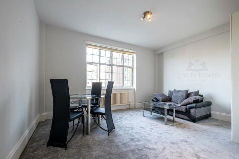 Kenton Court, Kensington High Street, London, W14. Studio apartment