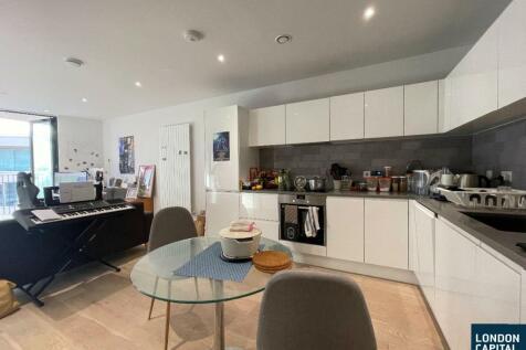 Mercier Court, Starboard Way, London. 1 bedroom apartment