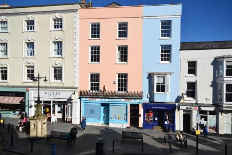 Tudor Square, Tenby. 6 bedroom town house for sale