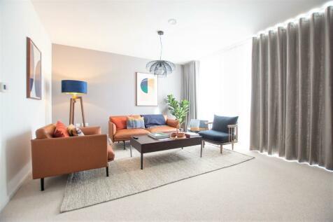 Dock Road, Brompton, Gillingham, ME4. 5 bedroom terraced house