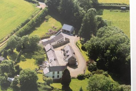 St. Clears, Carmarthenshire. 16 bedroom detached house