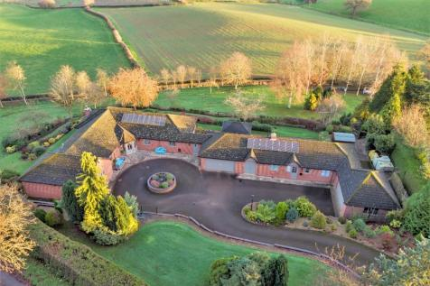Linton, Ross on Wye. 5 bedroom bungalow for sale