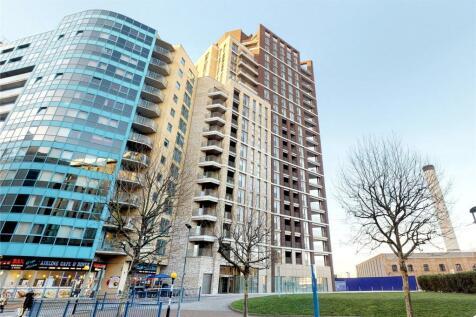 Royal Docks West, London, E16. 3 bedroom flat for sale