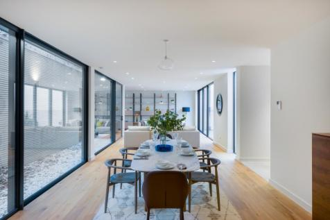Plum Tree Mews, Streatham Common South, London, SW16. 5 bedroom property for sale