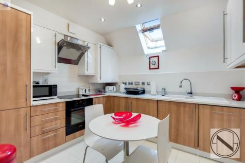 Rose Court, Dolphin Approach. 2 bedroom apartment