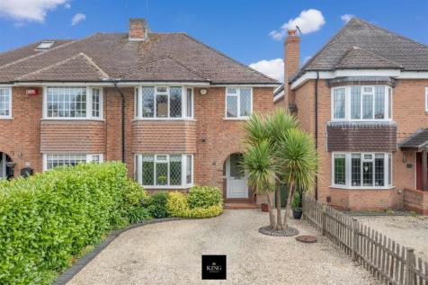 Avon Crescent, Stratford-Upon-Avon. 3 bedroom semi-detached house