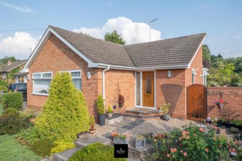 Lower Cladswell Lane, Cookhill, Alcester. 2 bedroom detached bungalow
