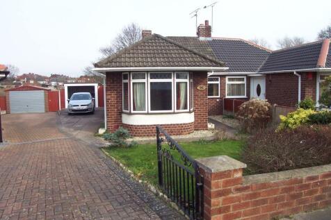 Ludlow Avenue, Crewe, CW1 6DY. 2 bedroom detached bungalow