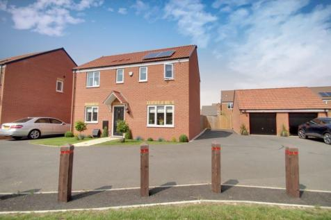 Buttercream Drive, WOODSTON, Peterborough. 3 bedroom detached house