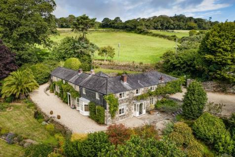 Nr. Falmouth, Cornwall. 8 bedroom detached house