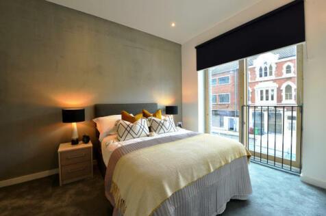 Leonard Coates Way, Stoke-On-Trent, Staffordshire, ST1. 2 bedroom apartment