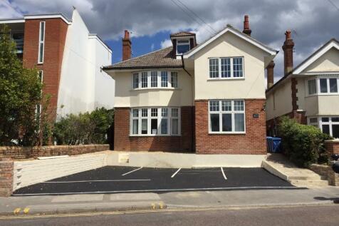 67 Kingland Road, Poole, Dorset, BH15. 11 bedroom house of multiple occupation