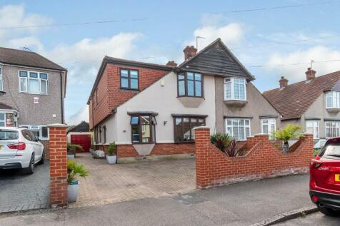 Devonshire Avenue, Dartford, Kent, DA1. 4 bedroom semi-detached house