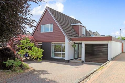 11 Sycamore Place, Stirling. 4 bedroom detached house