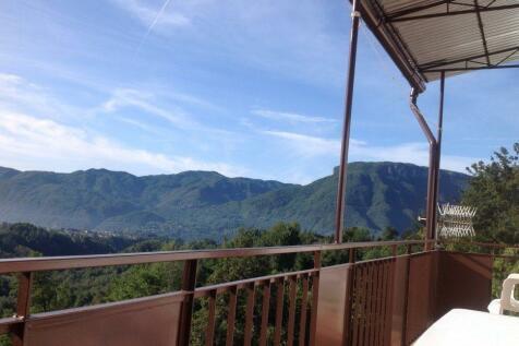 Tuscany, Lucca, Barga. Studio apartment