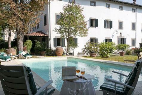 Tuscany, Lucca, Bagni di Lucca. 5 bedroom villa for sale