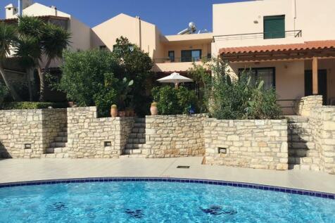 Kournas, Chania, Crete. 2 bedroom town house