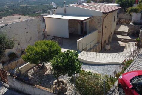 Panormos, Rethymnon, Crete. 3 bedroom house