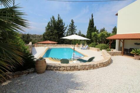 Xirosterni, Chania, Crete. 4 bedroom villa for sale