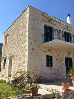 Souda, Chania, Crete. 2 bedroom house for sale
