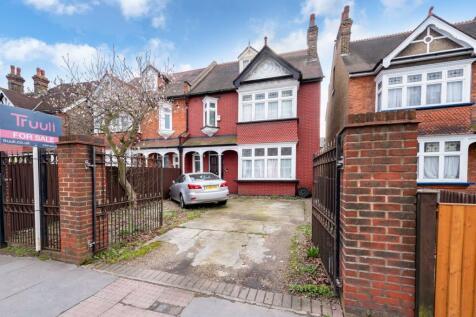 Lower Addiscombe Road, Croydon, CR0. 4 bedroom house