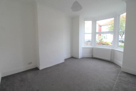 Greenford Road, Sudbury Hill, HA1 3QS. 2 bedroom flat