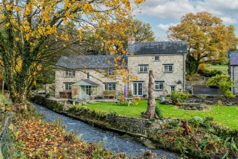 Felindre, Llanfynydd, Caerfyrddin, Llanfynydd, Carmarthenshire, SA32. 4 bedroom detached house for sale