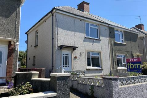 Precelly Place, Milford Haven, Pembrokeshire, SA73. 3 bedroom semi-detached house